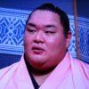 大相撲・友風勇太、女手ひとつで育ててくれた母親に恩返し!ピアノが特技のギャップ萌え力士!
